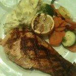 Salmon, mash patatoes, and veggies