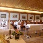Sehr schöner Gastraum wie ein Chalet !