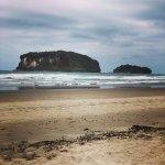 Photo de Whangamata Beach