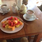 Great cafe con leche and fruit salad