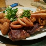 The Red Lion Hotel resmi