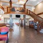 Photo de Comfort Suites Linn County Fairgrounds and Expo