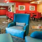 Photo de TownePlace Suites Colorado Springs South