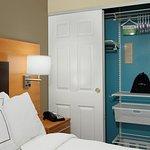 Photo de TownePlace Suites Redwood City Redwood Shores