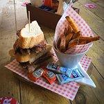 Brekkie / Brunch served Mon to Sat 11am til 3pm - Food served all day until 9pm (8pm on Sun)