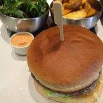 Un délicieux burger Inglewood