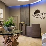 Aquanox Spa at the Trump International Beach Resort resmi