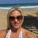 Amazing location, beach, breeze, food, location...location👙🏖😎🍾🥂✈️