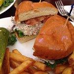 Sylvan Street Grill resmi