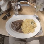 Delicioso almuerzo. Tallarines a la huancaina y lomo fino.