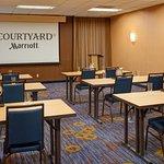 Courtyard Detroit Auburn Hills resmi