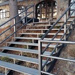Escalaeras de acceso a pistas