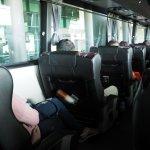 ภายในรถบัสเบาะกว้าง นั่งนอน สบายค่ะ แต่ราคาแพงไปหน่อย