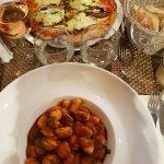 Gnocchi tomate-basilic & pizza aubergine-mozza