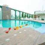 piscina_large.jpg