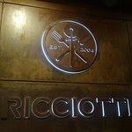 Ricciotti Restaurant Sign