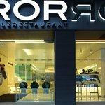 The Mirror Barcelona Foto