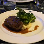 Black Angus steak with buttered broccoli & mashed potato