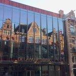 Il DeLaMar Theatre di fronte all'hotel.