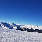 Foto von der Skipiste über die Berge (vom Kornock aus)