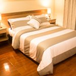 Charlies Place Hotel Resmi