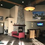 Family owned lodge.  Peaceful and convenient to Donner Lake and Truckee.