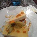 mousse abricot sur un lit de pain d'epices