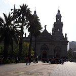 Foto de uma das Igrejas na Praça de Armas.