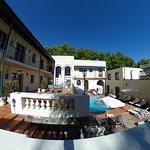 vista panoramica del hotel y las zonas recreativas