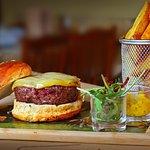 No encontramos palabras para describir la perfección... Sencillamente, hamburguesa de buey.