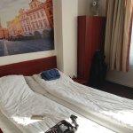 Photo de Metropolitan Old Town hotel