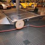 Coche con placas solares