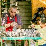 Nuestro alfarero, manos mexicanas, pura tradición!