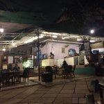 Foto de Artjuna Garden Cafe