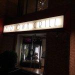 Midtown Grill resmi