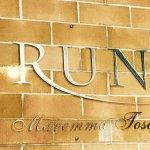 Il logo nel nuovo wine shop