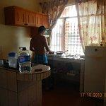 pequeña cocina, excelente y suficiente para pasar los dias que quieras!!!