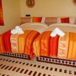 Habitación camas separadas con baño