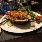 Lasagne fade sans intérêt pourtant personne dans le restaurant. Belle façade bel endroit mais c'