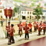 the model to show the past time in Macau