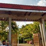 The entrance to Jaya Sri Mah Bodhi Temple