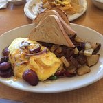 Fajita Omelet with grilled hot link sausage and sourdough toast