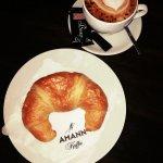 ...iniziando la mattina con un L&L Cappucornetto