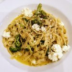 Broccoli, Anchovies, chilli, garlic and white wine sauce topped with fresh ricotta cheese.