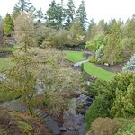 Beautiful park with very well maintained gardens