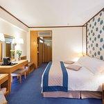 Constantinou Bros Athena Royal Beach Hotel Resmi