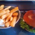 Friitten okay , Burger lauwarm