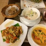 Так же в ресторане Веранда можно отведать блюда тайской кухни
