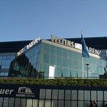 Schalke Mauer und Aussenansicht Veltins Arena