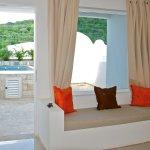 vista desde la suite a la piscina privada